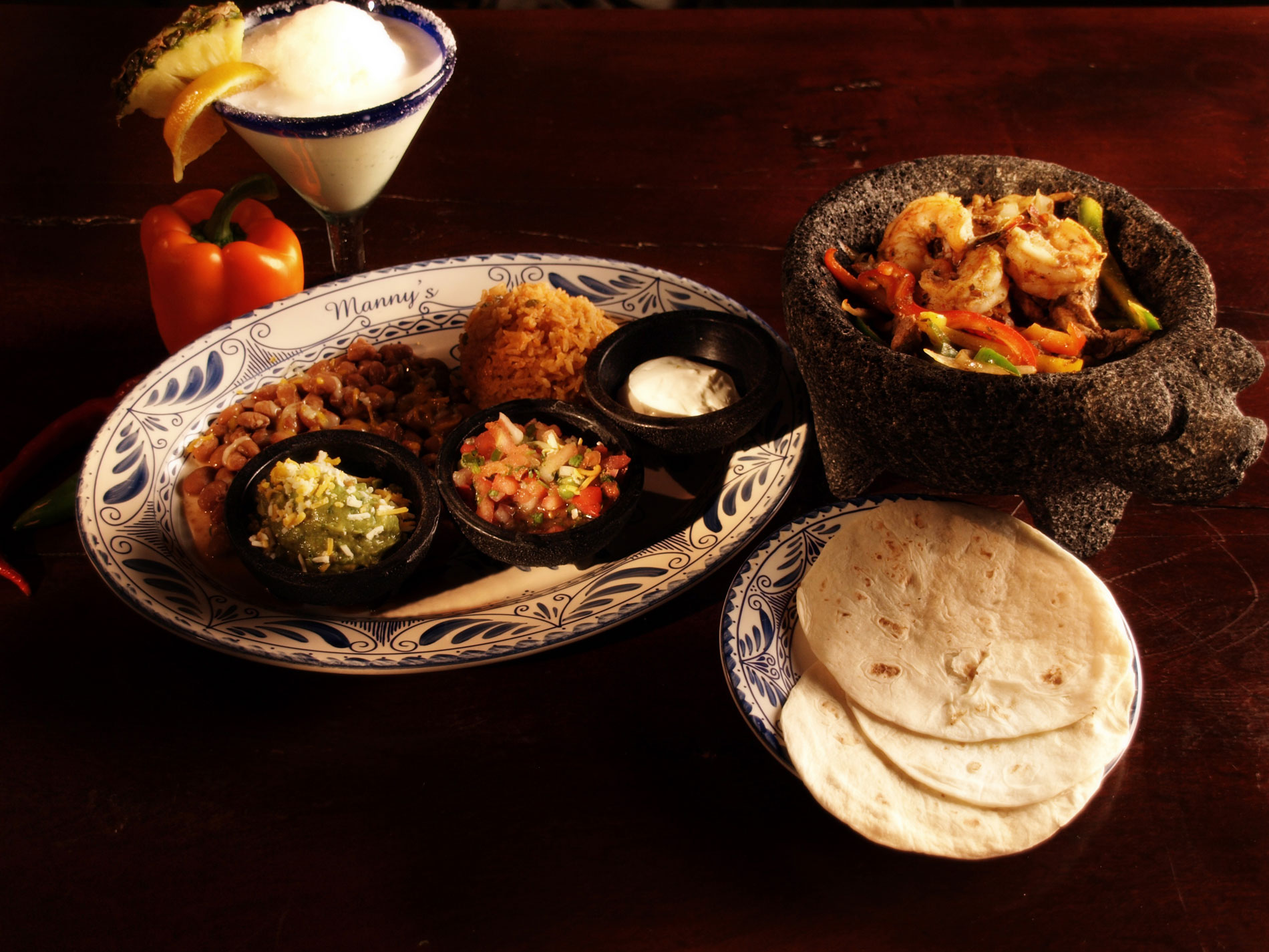 authentic mexican shrimp fajitas from Mannys Cocina of La Crosse and Eau Claire WI
